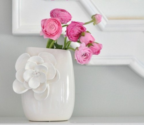 how-to-decorate-a-vase-with-petals-1-500x436
